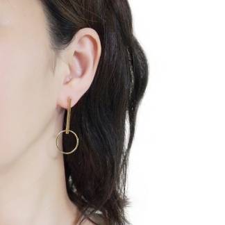 Trendy invisible clip on earrings!