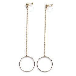 "<img src=""comfortable-dangle-minimalist-gold-invisible-clip-on-hoop-earrings-miyabigrace-2.jpg"" alt=""pierced look and comfortable Comfortable and pierced look dangle long thread gold circle hoop minimalist invisible clip on earrings MiyabiGrace 夾耳環 ノンホールピアス""/>"