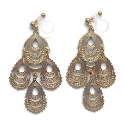 "<img src=""comfortable-pierced-look-dangle-gold-chandelier-filigree-boho-bohemian-invisible-clip-on-earrings-miyabigrace2.jpg"" alt=""pierced look and comfortable Comfortable and pierced look dangle gold chandelier filigree boho bohemian invisible clip on earrings by MiyabiGrace 夾耳環 ノンホールピアス""/>"