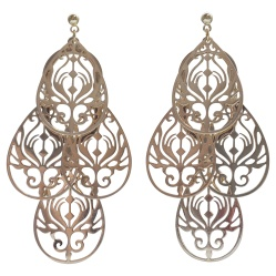 "<img src=""comfortable-pierced-look-dangle-gold-chandelier-filigree-boho-bohemian-invisible-clip-on-earrings-miyabigrace6.jpg"" alt=""pierced look and comfortable Comfortable and pierced look dangle gold filigree chandelier boho invisible clip on earrings by MiyabiGrace MiyabiGrace 夾耳環 ノンホールピアス""/>"