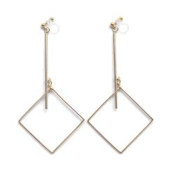 "<img src=""comfortable-pierced-look-dangle-long-gold-threader-bar-square-diamond-hoop-invisible-clip-on-earrings-miyabigrace-e5a4bee880b3e792b0-e5a4bee5bc8fe880b3e792b0-e382a4e383a4.jpg"" alt=""pierced look and comfortable Comfortable and pierced look dangle gold bar square hoop invisible clip on earrings by MiyabiGrace 耳環夾 ノンホールピアス 夾式耳環""/>"