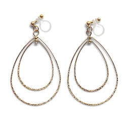 "<img src=""comfortable-pierced-look-dangle-shiny-rotatable-textured-gold-double-teardrop-hoop-invisible-clip-on-earrings-miyabigrace-e5a4bee880b3e792b0-e5a4bee5bc8fe880b3e792b0-e382a41.jpg"" alt=""pierced look and comfortable Comfortable and pierced look dangle gold double teardrop hoop tribal invisible clip on earrings by MiyabiGrace 耳環夾 ノンホールピアス 夾式耳環""/>"