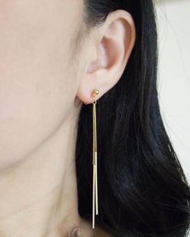 "<img src=""comfortable-pierced-look-minimal-dangle-gold-chain-bar-invisible-clip-on-earrings8.jpg"" alt=""pierced look and comfortable Pierced look and comfortable dangle minimal gold bar chain invisible clip on earrings 耳環夾 ノンホールピアス イヤリング""/>"