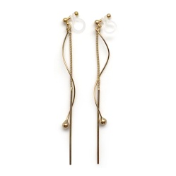"<img src=""comfrotable-pierced-look-dangle-gold-bar-invisible-clip-on-earrings-miyabigrace2.jpg"" alt=""pierced look and comfortable Comfortable and pierced look dangle gold threader bar invisible clip on earrings MiyabiGrace 夾耳環 ノンホールピアス""/>"