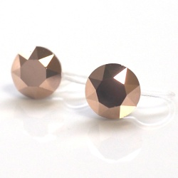 """<img src=""""crystal-rose-gold-swarovski-invisible-clip-on-earrings-gold-pink-clip-ons10.jpg"""" alt=""""pierced look and comfortable Swarovski Crystal Rose Gold Invisible Clip On Earrings, Metallic Pink Swarovski Clip Earrings, Non Pierced Earrings, Pink Gold Clip ons""""/>"""