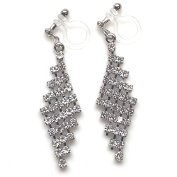 "<img src=""dangle-bridal-wedding-lozenge-mesh-rhinestone-crystal-chandelier-invisible-clip-on-earrings5.jpg"" alt=""pierced look and comfortable Pierced look and comfortable dangle wedding bridal lozenge rhinestone crystal chandelier invisible clip on earringss 耳環夾 ノンホールピアス""/>"
