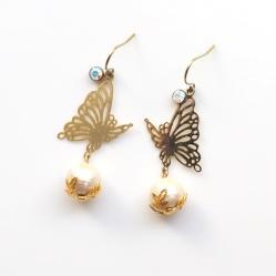 Butterflies: Cotton Pearl Earrings, Light Beige, Titanium Earrings for Sensitive Ears, Bridesmaid earrings and Bridal earrings