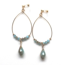 """<img src=""""dangle-gold-hoop-golden-green-drop-invisible-clip-on-earrings-miyabigrace4.jpg"""" alt=""""pierced look and comfortable dangle gold hoop with light green beaded crystal invisible clip on earrings""""/>"""