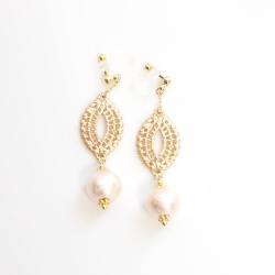 "<img src=""dangle-gold-oriental-filigree-pink-cotton-pearl-invisible-clip-on-earrings-non-pierced-earrin"" alt=""pierced look and comfortable Wedding bridal Dangle Gold Oriental Filigree & Pink Cotton Pearl Invisible Clip on Earrings non pierced earrings""/>"