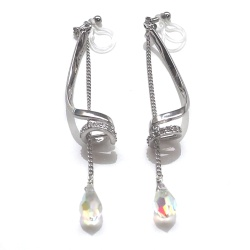 "<img src=""dangle-long-swarovski-crystal-drop-and-silver-tube-rhinestone-invisible-clip-on-earrings5.jpg"" alt=""pierced look and comfortable wedding bridal dangle silver rhinestone tune and drop swarovski crystal invisible clip on earrings non pierced earrigs""/>"