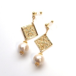 "<img src=""dangle-oriental-gold-filigree-and-light-beige-cotton-pearl-invisible-clip-on-earrings"" alt=""pierced look and comfortable Dangle Oriental Gold Filigree and Light Beige Wedding Bridal Cotton Pearl Invisible Clip on Earrings""/>"