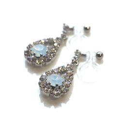 "<img src=""dangle-rhinestone-crystal-and-white-opal-crystal-invisible-clip-on-earrings-11.jpg"" alt=""pierced look and comfortable Wedding bridal Dangle Teardrop Rhinestone and White Opal Crystal Invisible Clip On Earrings non pierced earrings""/>"
