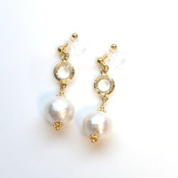 Pierced Look! Crystal & White Japanese Cotton Pearl Invisible Clip on Earrings