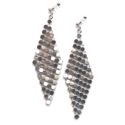 """<img src=""""dangle-silver-mesh-invisible-clip-on-earrings-miyabigrace81.jpg"""" alt=""""pierced look and comfortable dangle silver mesh invisible clip on earrings""""/>"""