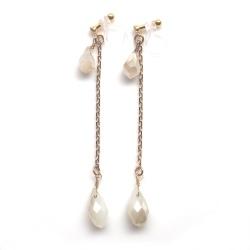"<img src=""dangle-white-opal-crystal-wedding-invisible-clip-on-earrings-miyabigrace9.jpg"" alt=""pierced look and comfortable dangle white opal drop with gold chain invisible clip on earrings MiyabiGrace""/>"