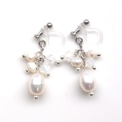 """<img src=""""freshwater-pearl-swarovski-earrings-15.jpg"""" alt=""""pierced look and comfortable wedding and bridal White freshwater pearl natural pearl swarovski crystal invisible clip on earrings""""/>"""