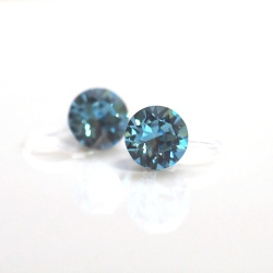 "<img src=""light-blue-aquamarine-swarovski-crystal-invisible-clip-on-earrings-non-pierced-earrings-5.jpg"" alt=""pierced look and comfortable light blue aquamarine swarovski crystal inivisble clip on earrings""/>"