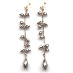 """<img src=""""long-dangle-metallic-glitter-brwon-sparkly-beads-chandelier-invisible-clip-on-earrings6.jpg"""" alt=""""pierced look and comfortable Pierced look and comfortable dangle brown beads chandelier invisible clip on earringss 耳環夾ノンホールピアス""""/>"""