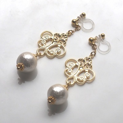 Rococo style cotton pearl invisible clip on earrings