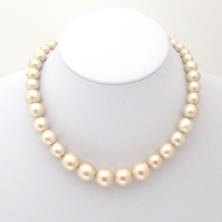 graduated light beige Japanese cotton pearl necklace