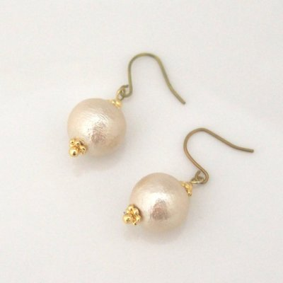 Japanese cotton pearl earrings_MiyabiGrace5