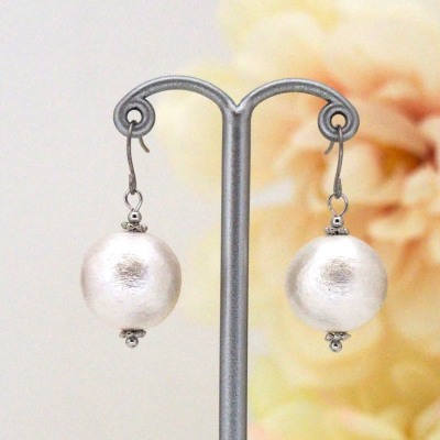 White Japanese cotton pearl earrings