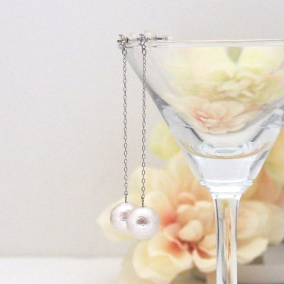 Dangle crystal and Japanese cotton pearl earrings