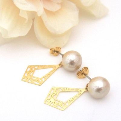 Gold tone Art deco light beige Japanese cotton pearl earrings