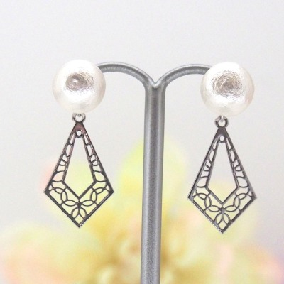 Silver tone Art deco white Japanese cotton pearl earrings