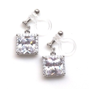 """<img src=""""wedding-square-cz-crystal-cubic-zirconia-invisible-clip-on-earrings-9.jpg"""" alt=""""pierced look and comfortable Pierced look and comfortable dangle wedding bridal cubic zirconia square crystal invisible clip on earrings 耳環夾ノンホールピアス イヤリング""""/>"""