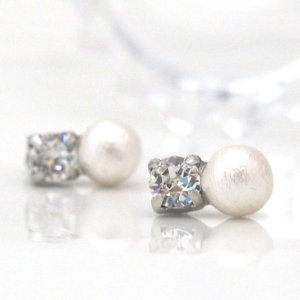 Swarovski crystal & white cotton pearl invisible clip on earrings_MiyabiGrace