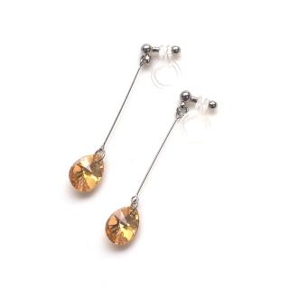 "<img src=""dangle-teardrop-crystal-metallic-sunshine-swarovski-invisible-clip-on-earrings-6.jpg"" alt=""pierced look and comfortable dangle orange crystal metallic sunshine invisible clip on earrings""/>"