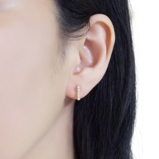 Minimalist style clip on earrings are available!