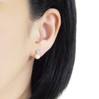 Rhinestone and white pearl invisible clip on stud earrings