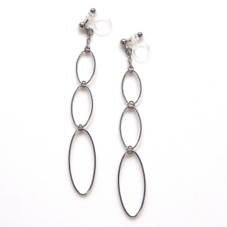 """<img src=""""dangle-gradated-silver-hoop-invisible-clip-on-earrings-non-pierced-earrings-15.jpg"""" alt=""""pierced look and comfortable dangle gradated silver hoop invisible clip on earrings non pierced earrings""""/>"""