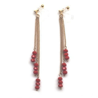 "<img src=""dangle-long-gold-chain-red-beaded-invisible-clip-on-earrings-miyabigrace7.jpg"" alt=""pierced look and comfortable dangle red beaded crystal and gold chain invisible clip on earrings non pierced earrings""/>"