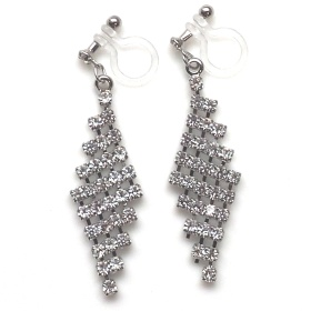"<img src=""dangle-bridal-wedding-lozenge-mesh-rhinestone-crystal-chandelier-invisible-clip-on-earrings5.jpg"" alt=""pierced look and comfortable Pierced look and comfortable dangle mesh rhinestone crystal invisible clip on earrings 耳環夾 ノンホールピアス イヤリング""/>"