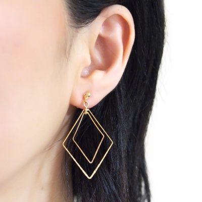 Comfortable pierced look dangle shiny rotatable textured gold double square diamond hoop invisible clip on earrings MiyabiGrace 夾耳環 夾式耳環 イヤリング1.jpg