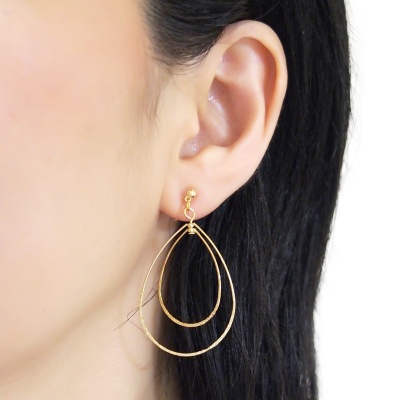 Comfortable pierced look dangle shiny rotatable textured gold double teardrop hoop invisible clip on earrings MiyabiGrace 夾耳環 夾式耳環 イヤリング1.jpg