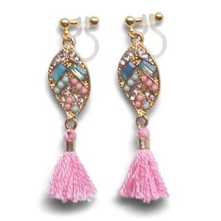 "<img src=""pierced-look-comfortable-dangle-gold-leaf-pink-rhinestone-pink-tassel-boho-bohemian-invisible-clip-on-earrings-miyabigrace-e5a4bee880b3e792b0-e5a4bee5bc8fe880b3e792b0-e382"" alt=""pierced look and comfortable Comfortable and pierced look pink tassel with crystal invisible clip on earrings bridal jewelry by MiyabiGrace 耳環夾 ノンホールピアス 夾式耳環""/>"