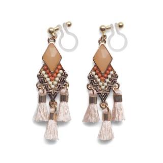 "<img src=""pierced-look-comfortable-dangle-orange-rhinestone-tassel-boho-bohemian-invisible-clip-on-earrings-miyabigrace-e5a4bee880b3e792b0-e5a4bee5bc8fe880b3e792b0-e382a4e383"" alt=""pierced look and comfortable Comfortable and pierced look light orange tassel with crystal bohemian ethnic invisible clip on earrings bridal jewelry by MiyabiGrace 耳環夾 ノンホールピアス 夾式耳環""/>"