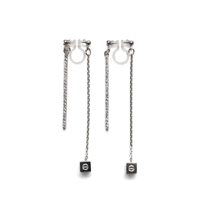 "<img src=""Pierced look comfortable dangle silver double sided rhinestone crystal cube invisible clip on earrings 1.jpg"" alt=""Pierced look comfortable dangle gold double sided circle long chain hoop invisible clip on earrings 4"">"