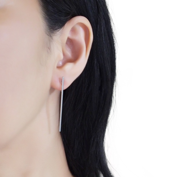 Comfortable pierced look Japanese silver long bar minimal simple invisible clip on stud earrings MiyabiGrace イヤリング2.jpg