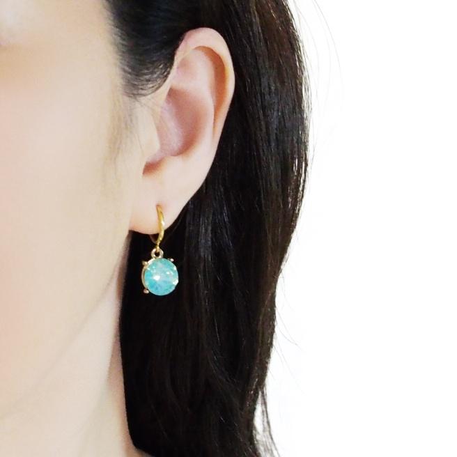 Comfortable pierced look mint green crystal rhinestone resin clip on (5).jpg