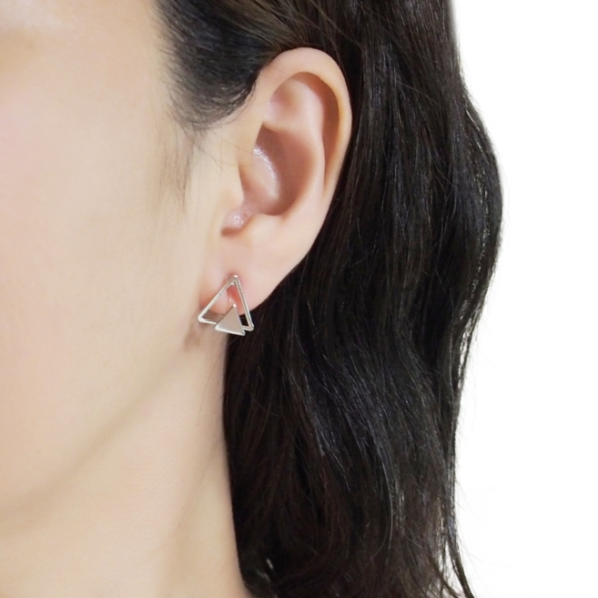 Comfortable-pierced-look-Silver-Double-Triangle-Invisible-clip-on-stud-earrings-Miyabi-Grace (1).jpg
