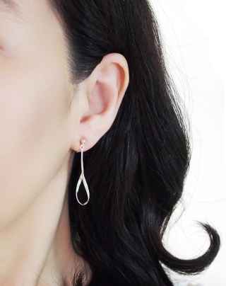 Comfortable pierced look chain bar dangle sterling silver invisible clip on earrings Miyabi Grace 8.jpg